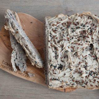 Boekweitbrood met lijnzaad en sesam