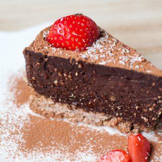 Vegan notenvrije chocolade taart