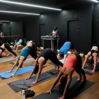 5 redenen waarom hot power yoga goed voor je is