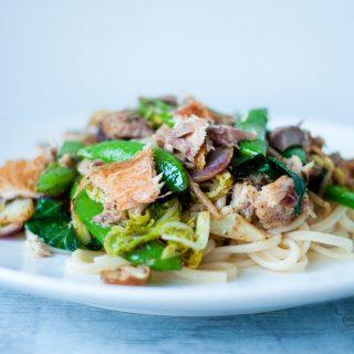 Japanse udon noedels met makreel & zeewier tapenade