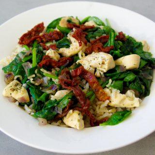 Wokschotel met spinazie en kip