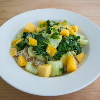 Kokosrijst met mango en paksoi