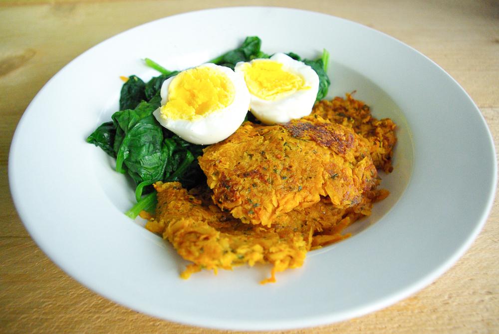 Zoete aardappel rösti met spinazie