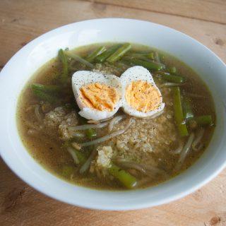 Gezonde soep: Gadogado soep met quinoa