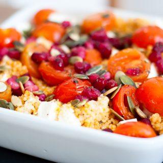 Couscous met cherrytomaatjes, feta en granaatappelpitjes