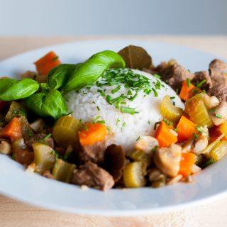 Italiaanse runderstoofpot met groenten en rijst
