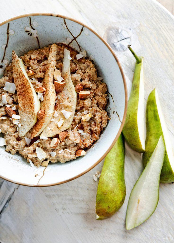 Havermoutontbijt met peer en amandel