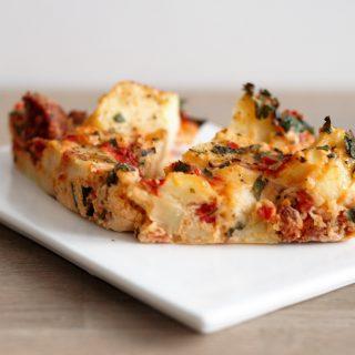 Tortilla met chorizo, geroosterde paprika en bladpeterselie