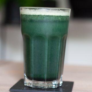 Juice met bleekselderij en spirulina